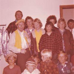 1975_15Backstage