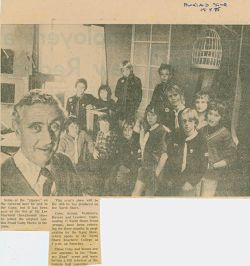 1975_04News