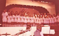 1975_30Cast1