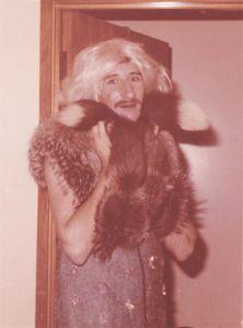 1977_12PinUpGirl
